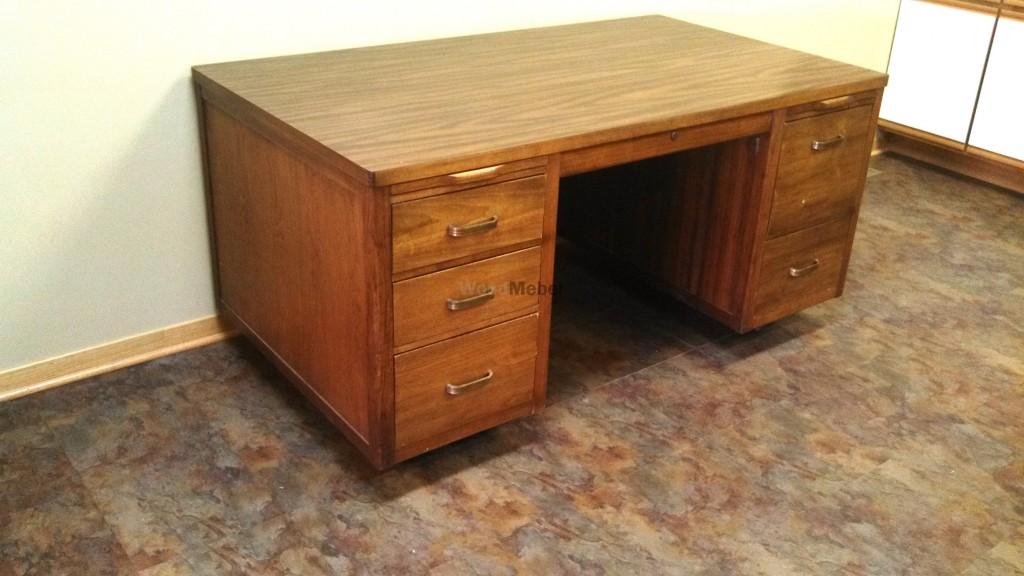 Full Desk Left Side 1024x576 - Письменные столы из дерева на заказ